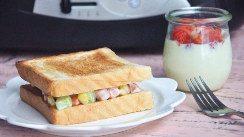 玉米沙拉三明治