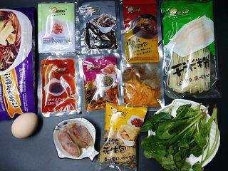 柳州螺蛳粉,准备柳州螺蛳粉及其它食材