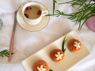 樱花泡芙,下午茶时光,来一杯玫瑰茶,再来一口奶油泡芙