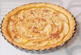 肉桂苹果派,放入预热200°C的烤箱,烤30分钟,直至金黄