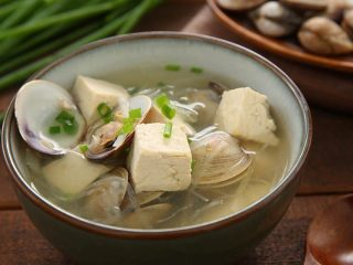白贝豆腐萝卜汤,夏季消暑滋补必备