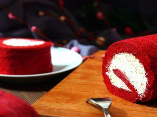 红丝绒蛋糕卷,美味的下午茶