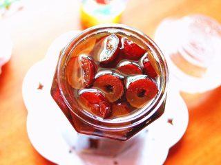 蜂蜜红枣蜜-美容养颜圣品,红枣蜜完成,哇哦,满满的都是红枣果肉哪···