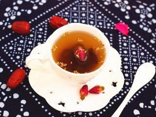 蜂蜜红枣蜜-美容养颜圣品,也可以挖上几勺,和玫瑰花一起泡茶,也是不错的选择哦