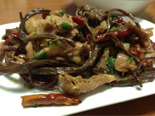 茶树菇小炒肉