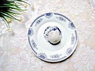 凤梨糯米糍,捏成圆形