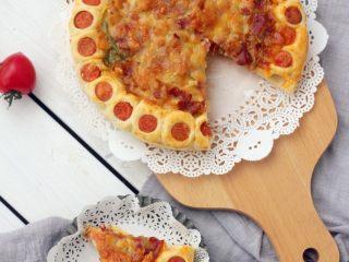 花边披萨,
