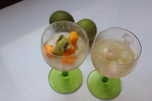 白酒荔枝果冻