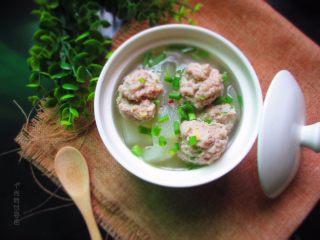 肉丸冬瓜汤—夏日清爽靓汤,煮好后出锅装碗
