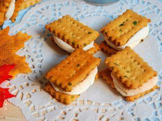 棉花糖加薪苏打饼干,成品。