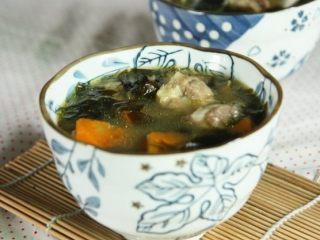 裙带菜排骨汤