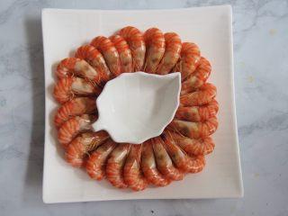 白灼竹节虾,摆盘成为自己想要的样子