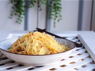 凉拌土豆丝——切土豆丝的小窍门