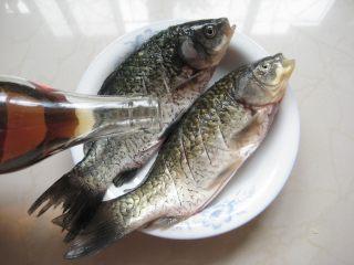 川香豆瓣鱼 :超级美味的下饭神器,加一大勺料酒抹匀