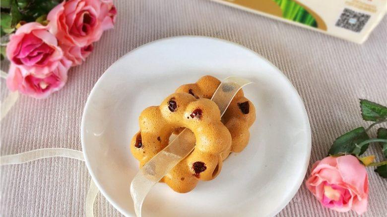 草莓酱甜甜圈
