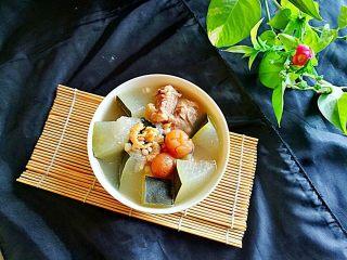 冬瓜海鲜排骨汤,开吃了。