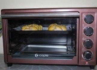 奶香大辫子面包,烤箱预热170度10分钟,再放入烤约20分钟左右(根据烤箱烘烤实际情况,适当提前结束程序)