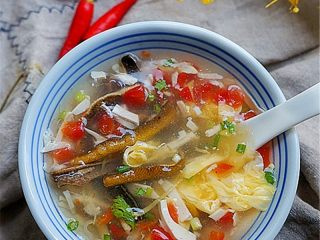 私家番茄豆腐鳝鱼汤,发张成品图欣赏一下