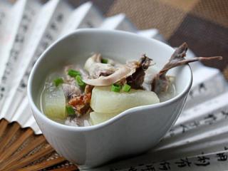 冬瓜鸭舌鸭架汤
