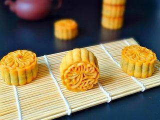广式月饼—豆沙蛋黄月饼