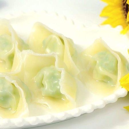 宝宝虾肉大馄饨 宝宝辅食,青菜+馄饨皮
