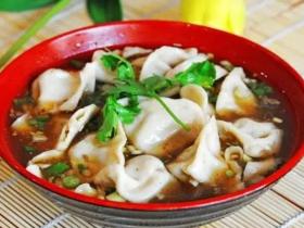 最爱这一碗酸汤水饺,满满的都是情意