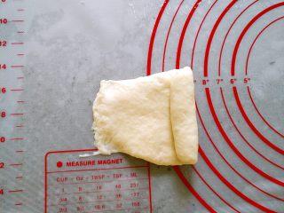 韩国烤馒头,纵向卷成条状