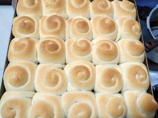 韩国烤馒头,上色均匀后即可出炉