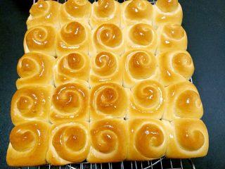 韩国烤馒头,趁热抹橄榄油