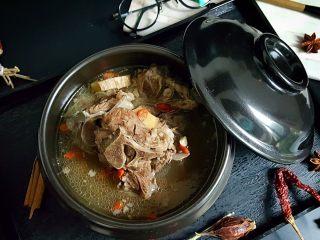 清炖枸杞羊肉汤