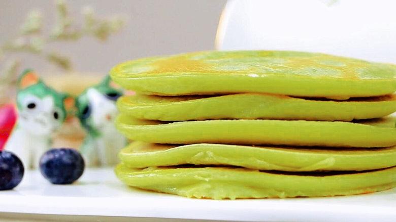 牛油果香蕉松饼 宝宝辅食,低筋面粉+牛油果+香蕉+蛋黄