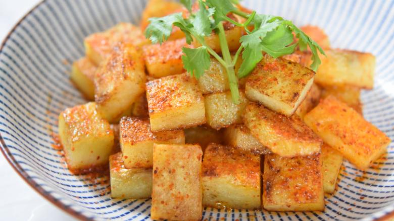 土豆原来可以这样吃,好吃到让你上天,孜然小土豆块!