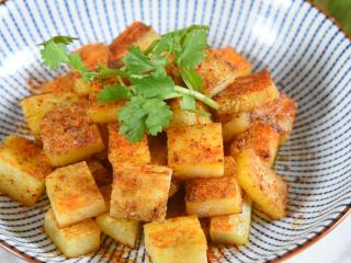 土豆原来可以这样吃,好吃到让你上天,孜然小土豆块!,赶快来试下吧~!