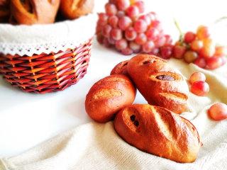 葡萄干红糖欧包,甜而不腻。