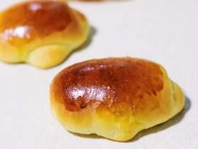 痴迷、爱心、耐力,都慢慢揉进这个奶油面包卷里吧