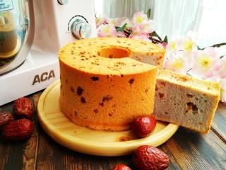 红枣紫薯戚风蛋糕,成品图,组织柔软!似云朵般的轻盈。