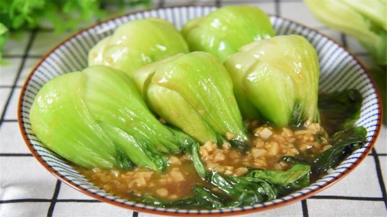 青菜炒翠绿有窍门,简单快手,大家抢着吃!