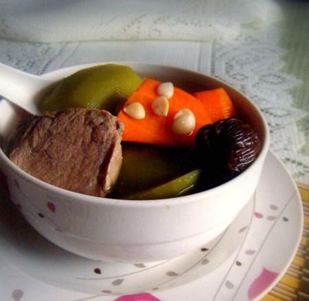 青红萝卜猪腱汤