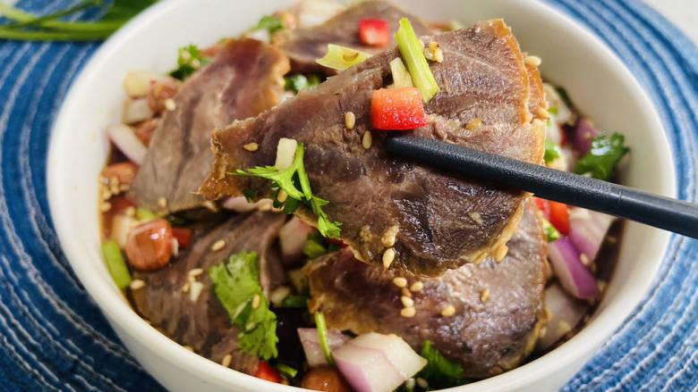 洋葱拌牛肉,营养丰富,美味诱人