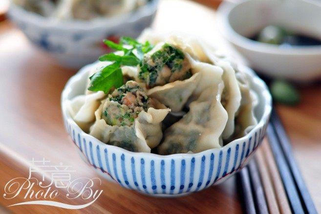 虾肉荠菜灌汤饺