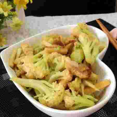 花菜杏鲍菇炒肉