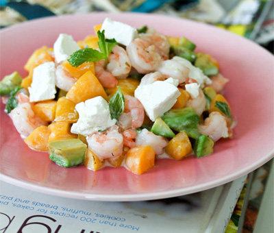 奶酪牛油果黄桃北极虾沙拉
