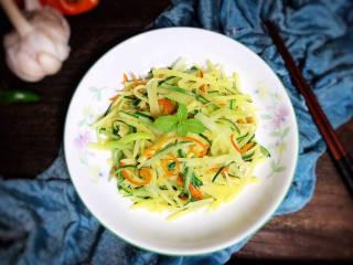 黄瓜炒土豆丝,成品图