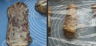 巧克力吐司,用擀面杖擀成大牛舌状,从上到下卷起,盖保鲜膜松弛15分钟后再次擀扁呈长条状,卷起