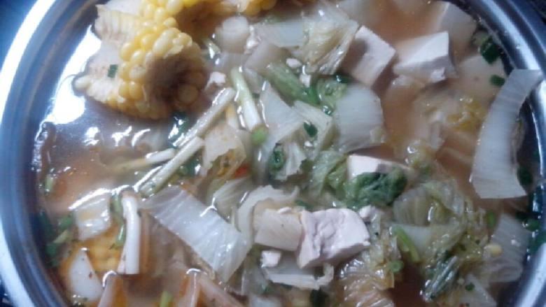 白菜玉米豆腐汤