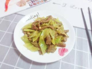 黑椒牛柳炒莴苣