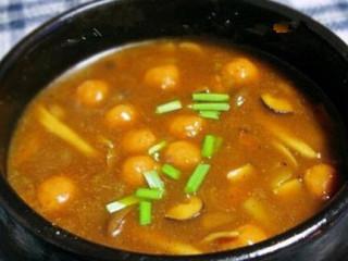 咖喱鱼丸蘑菇汤