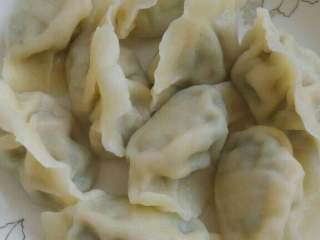 小白菜猪肉水饺,香喷喷的饺子出锅了!