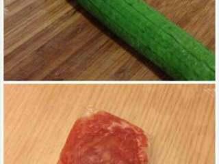 丝瓜炒肉丝,丝瓜和肉。