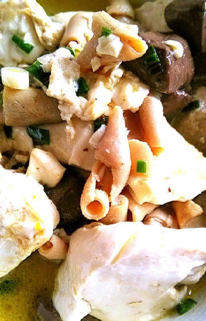 豆腐鹅血煲